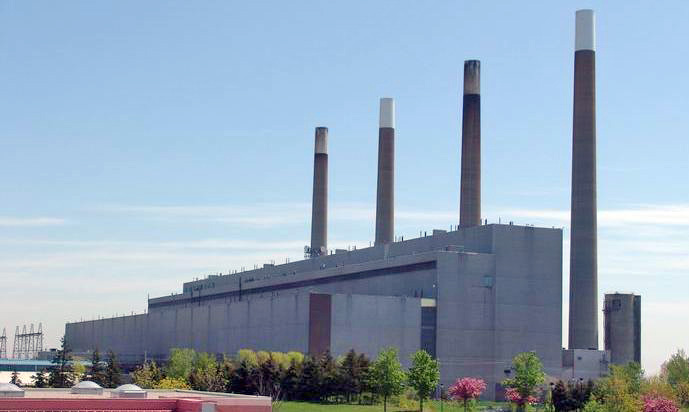 Figure 2. The Lakeview coal-fired power plant in Mississauga, Ontario, Canada. (Source: Wikimedia Commons, Photographer Hmvh1. This image is licensed under the Creative Commons Attribution-Share Alike 3.0 Unported license).